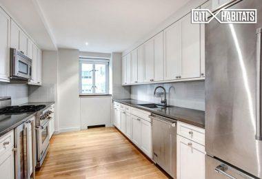 Cocina de la semana: belleza gris y blanca en Manhattan House