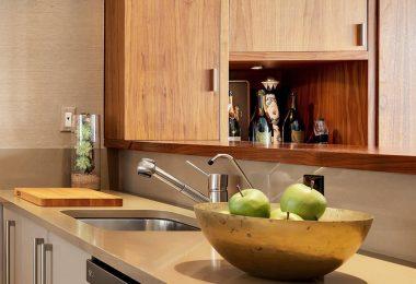 Apartamento TriBeCa: Diseño de cocina de galera bien hecho