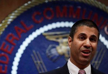 El presidente de la FCC se marchará en enero
