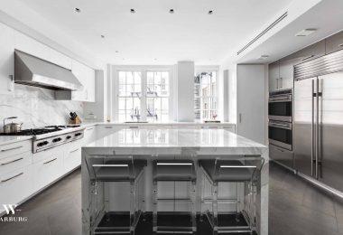 Cocina comedor de ensueño del chef en un hermoso apartamento de antes de la guerra en el Upper East Side