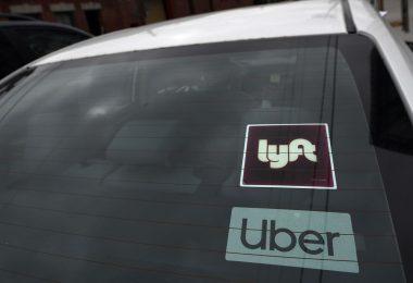Uber y Lyft comienzan a ofrecer nuevos beneficios a los conductores de California