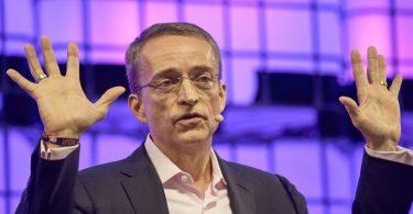 """El CEO de Intel pide """"moonshot"""" para fortalecer el papel de EE. UU. En la fabricación de chips"""