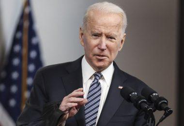 Biden emite orden ejecutiva tras la escalada de ciberataques