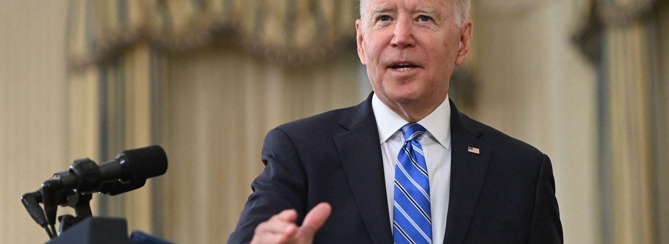 """Biden aclara los comentarios sobre las vacunas: """"Facebook no está matando gente"""""""