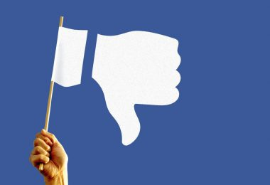 "La junta supervisora culpa a Facebook por la referencia ""perezosa"" a Trump"